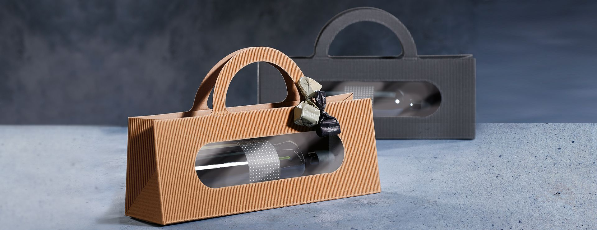 Gift box in natural colour and black for wine bottles