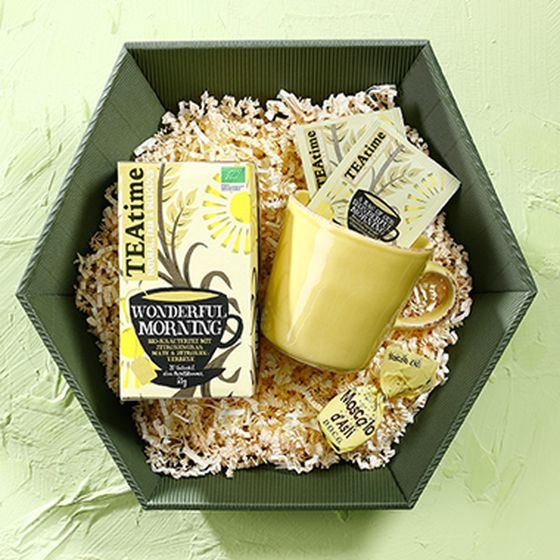 Gift box, single-face board in olive and yellow with cup and teatime