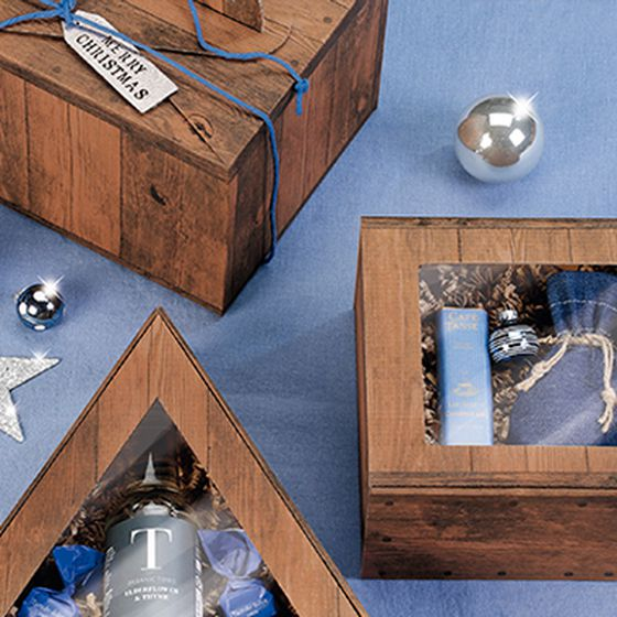 Gift boxes in various shapes with Vintage motif, with window